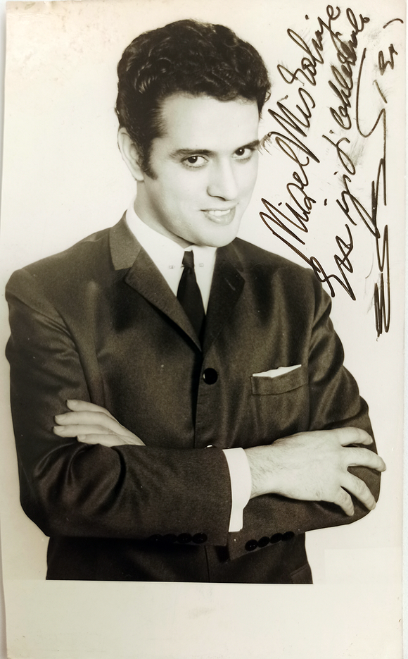 [TURKISH ELVIS] Original photograph signed and inscribed 'E. B.'