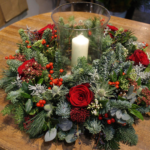Table wreath with optional storm lantern