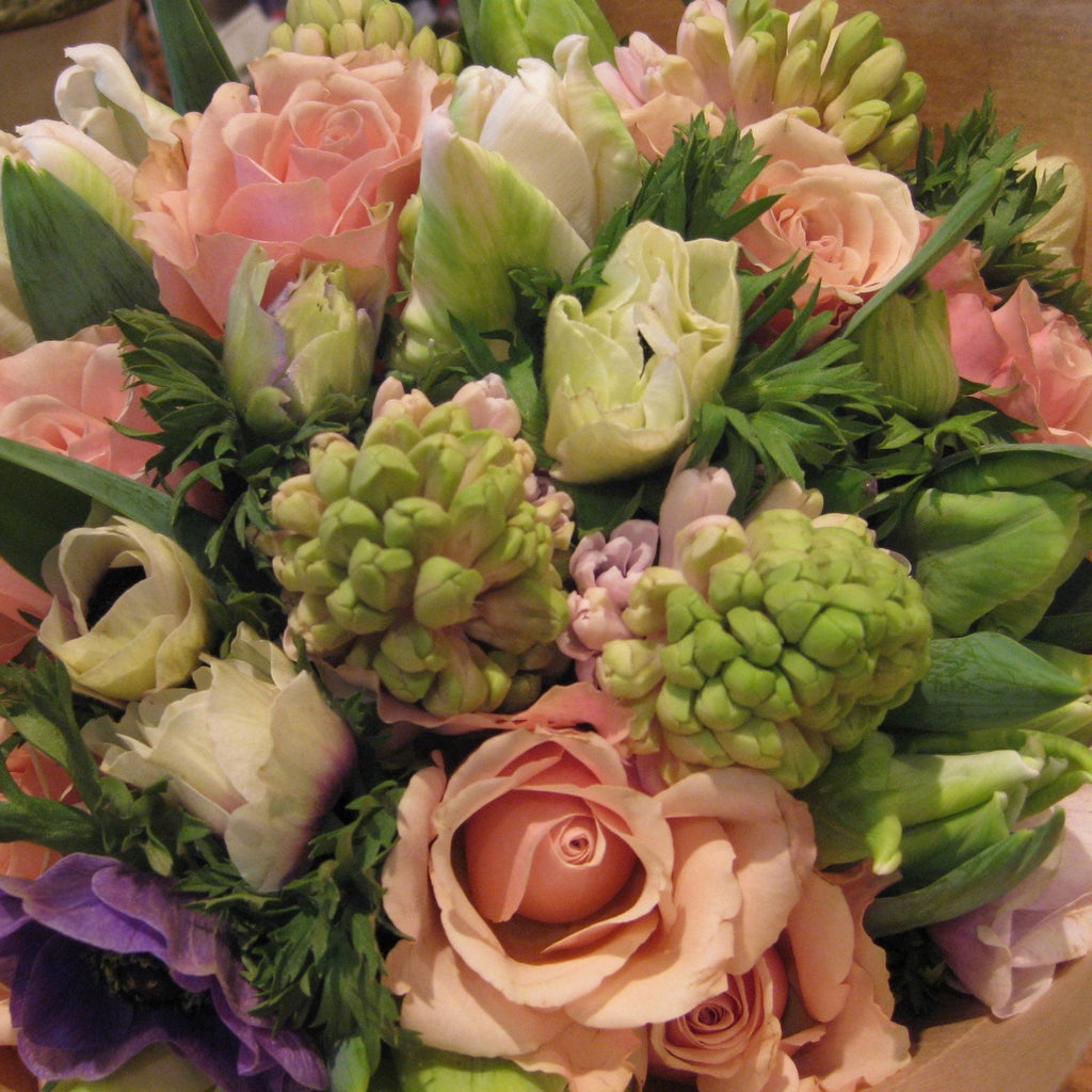 Spring posy in pastel shades