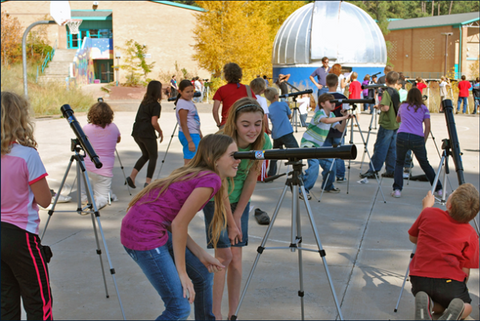 School children use the Galileoscope in Flagstaff, Arizona. Photo S. Pompea, NOAO