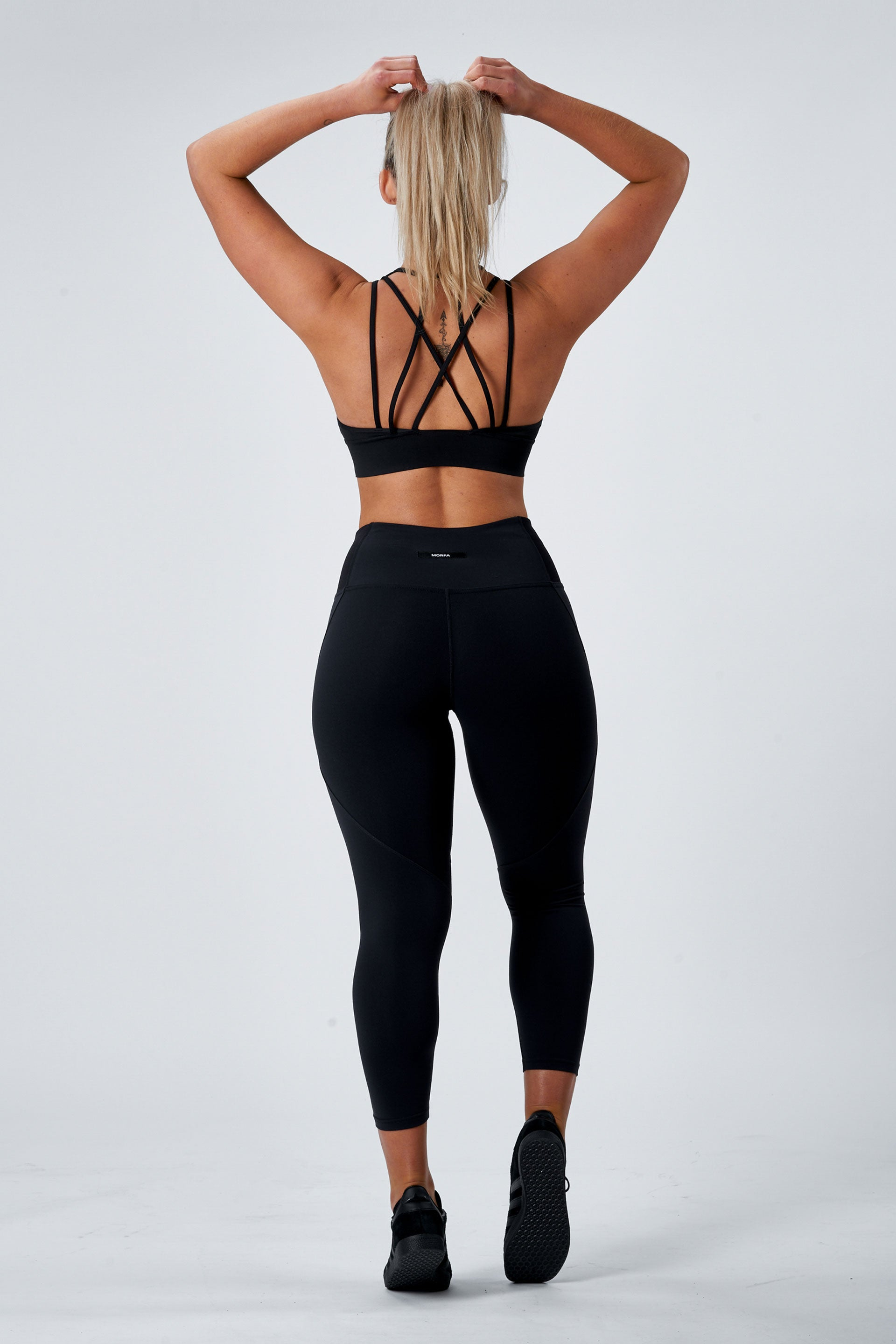 OUTFIT - SCULPT 7/8 TIGHTS ( BLACK ) + HIGH NECK TANK