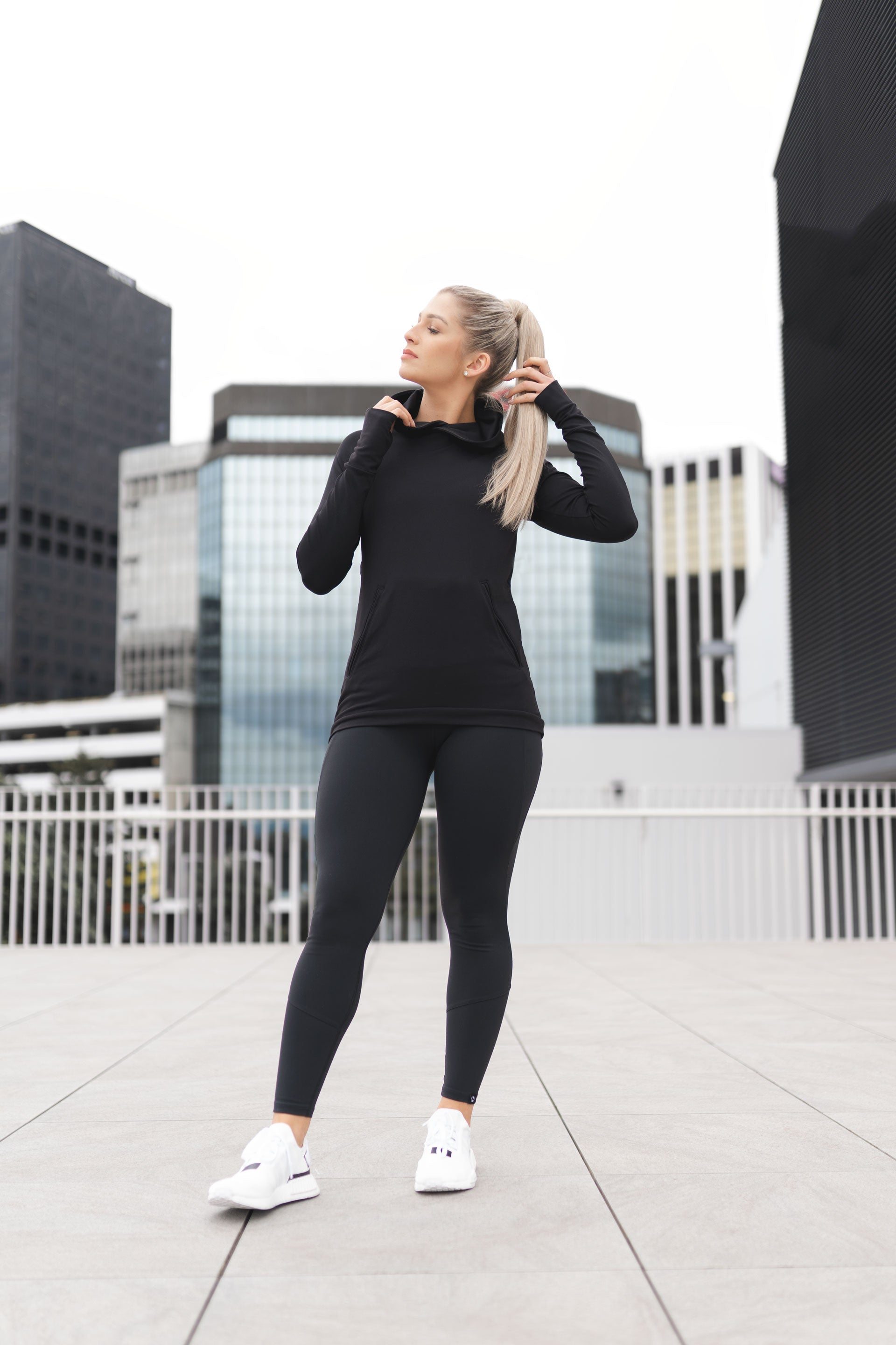 TECH STRETCH ACTIVE HOODIE 2.0 - BLACK