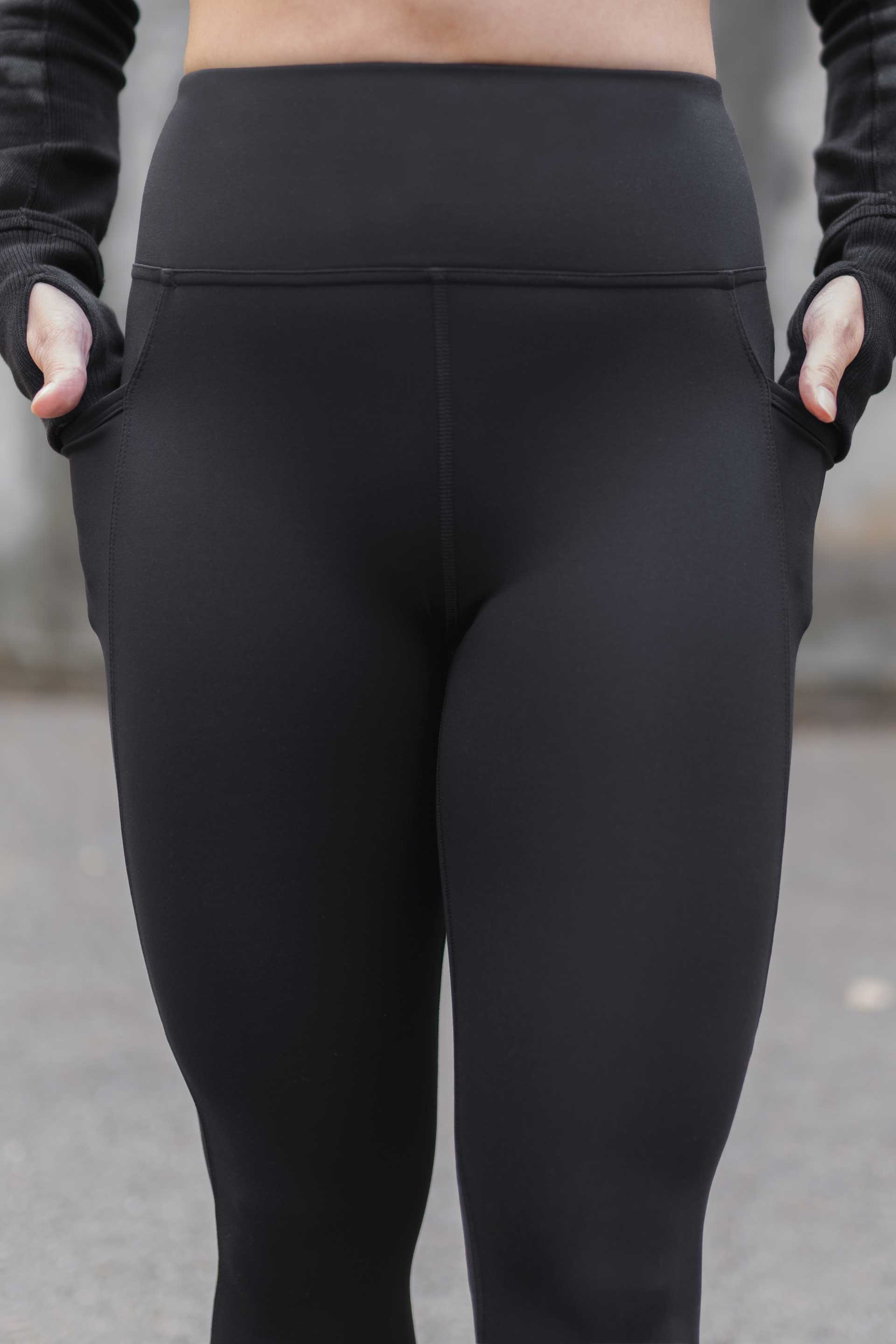 HIGH WAISTED SIDE POCKET 7/8 TIGHT ( RECYCLED PERFORMANCE KNIT ) - BLACK