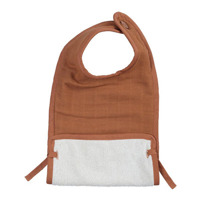 Muslin bib with button in Cinnamon