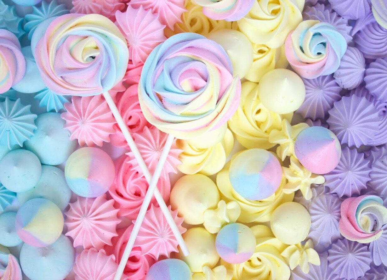 Meringue Lollipop