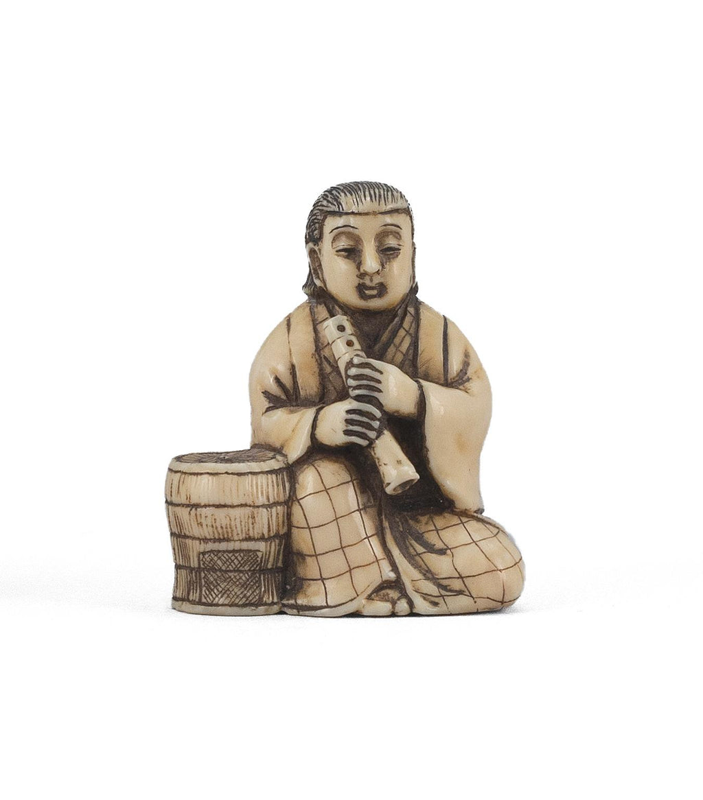 Komusō with a Shakuhachi and his woven tengai Antique Netsuke Late 19th century Meiji Era