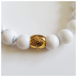 Howlite Gemstone Bracelet | Clarity, Forgiveness and Relaxation | Beaded Stretch Bracelet Bracelets Alora Boutique Solid Gold