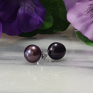 Pearl Stud Earrings - Alora Boutique