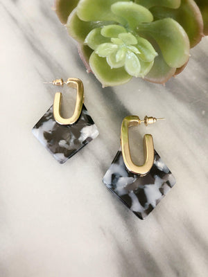 Nasreen - Diamond Geometric Resin Earrings Earrings Alora Boutique Marbled Black