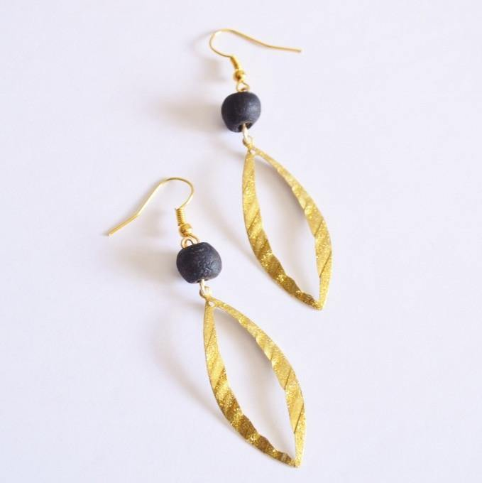 Renewal and Change | Open Leaf Dangle Earrings | Gold