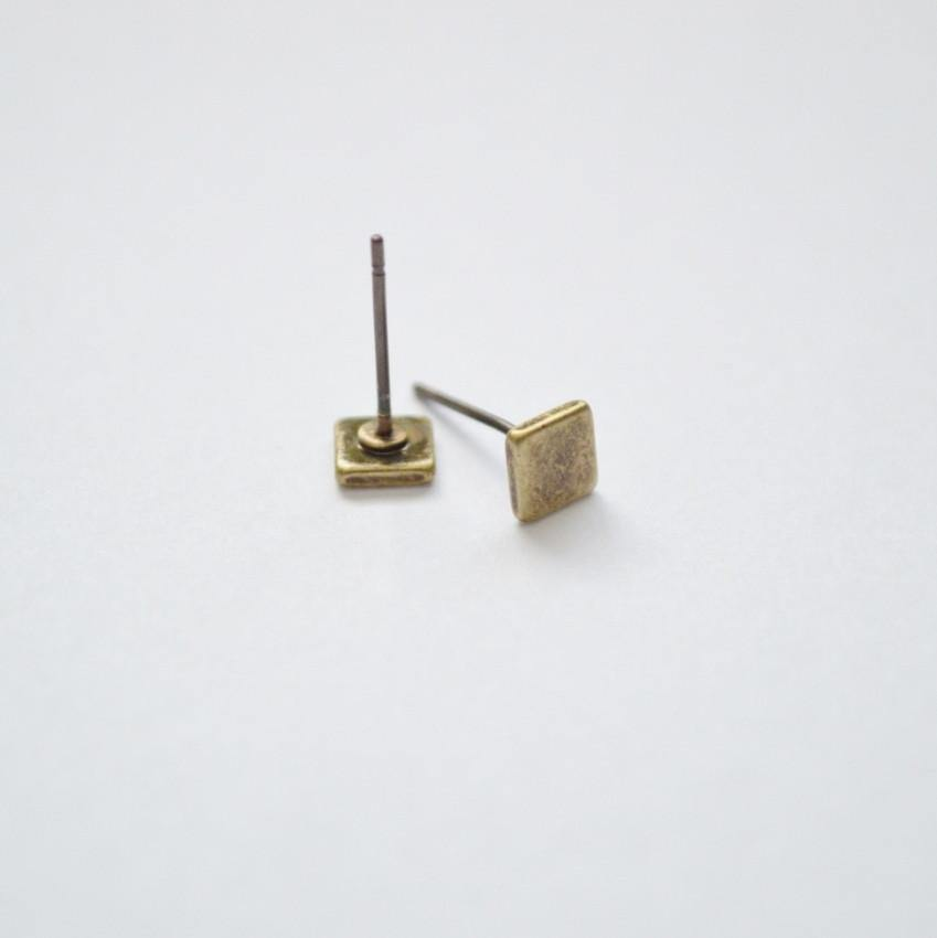 Square Stud Earrings | Brass - Alora Boutique