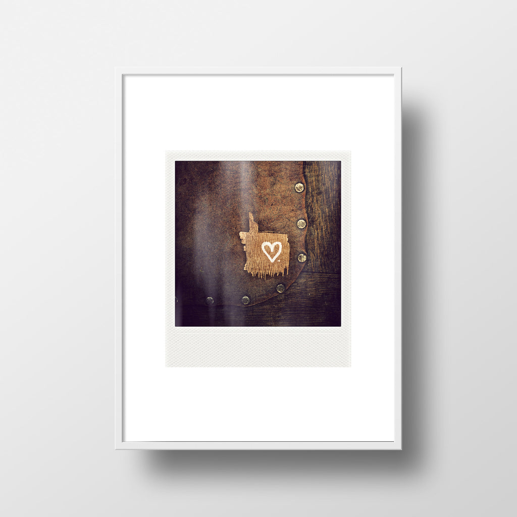 Discontinued Polaroid Magnet <br>Heart on Tack Barn Chair<br> Metallic Finish