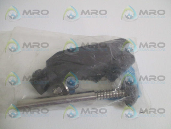 SOLUS VG-203Q-05-15-516 GUIDE RAIL BRACKET *NEW IN FACTORY BAG*