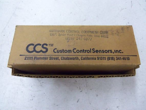 CUSTOM CONTROL SENSORS, INC. 694P9005 *NEW IN BOX*