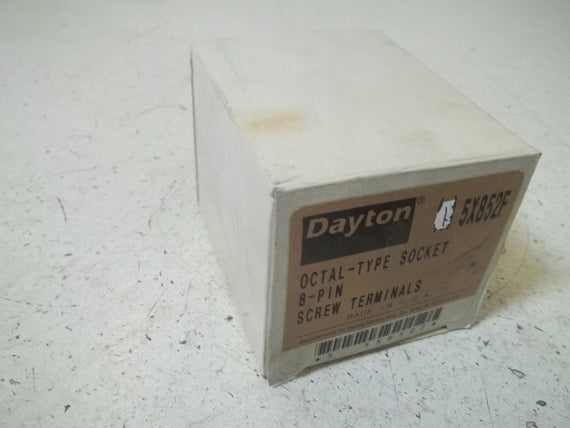 DAYTON 5X852F RELAY SOCKET *NEW IN BOX*