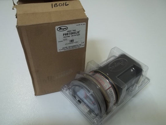 "DWYER SERIES 3000 PHOTOHELIC A3010C PRESSURE GAUGE 0-10"" WC *NEW IN BOX*"