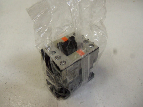 FUJI ELECTRIC AUXILIARY RELAY SH-4Y *NEW IN BAG*