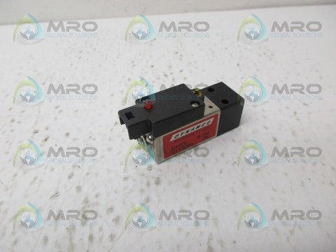 DYNAMCO D113201 AIR POILOT VALVE *NEW NO BOX*