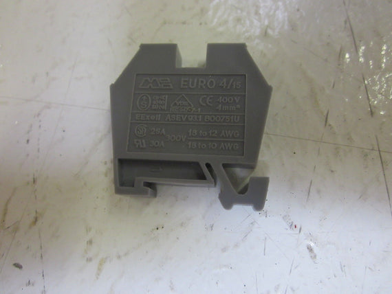 LOT OF 97 DINNECTORS DN-M10 MINI TERMINAL BLOCK GRAY 30 300V *NEW IN BOX*