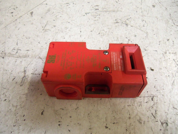 STI 44501-0120 SAFETY SWITCH *USED*
