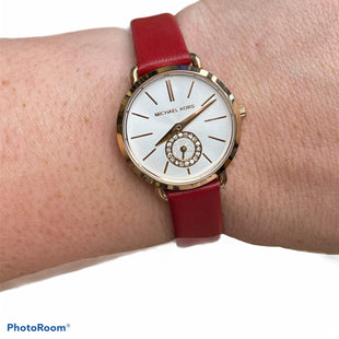 Primary Photo - BRAND: MICHAEL BY MICHAEL KORS STYLE: WATCH COLOR: RED SKU: 206-20664-8664