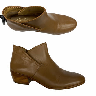 Primary Photo - BRAND: JACK ROGERS STYLE: BOOTS DESIGNER COLOR: TAN SIZE: 9 SKU: 206-20639-12144