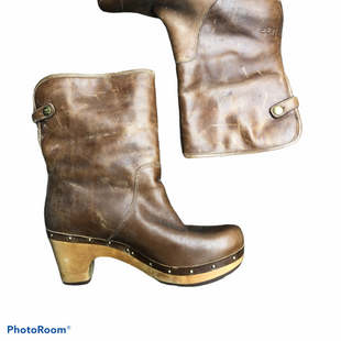 Primary Photo - BRAND: UGG STYLE: BOOTS DESIGNER COLOR: BROWN SIZE: 8 OTHER INFO: AS IS SKU: 206-20693-4511