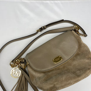 Primary Photo - BRAND: MICHAEL BY MICHAEL KORS STYLE: HANDBAG DESIGNER COLOR: BEIGE SIZE: MEDIUM SKU: 206-20618-95802