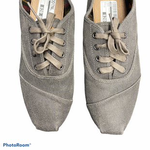 Primary Photo - BRAND: TOMS STYLE: SHOES FLATS COLOR: TAUPE SIZE: 11 SKU: 206-20689-9044