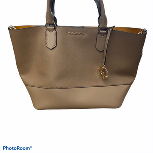 Primary Photo - BRAND: MICHAEL KORS STYLE: HANDBAG DESIGNER COLOR: TAN SIZE: MEDIUM OTHER INFO: TRISA SATCHEL - AS IS SKU: 206-20618-91012