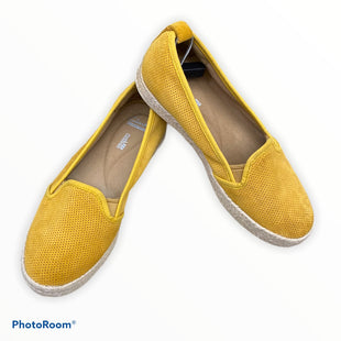 Primary Photo - BRAND: CLARKS STYLE: SHOES FLATS COLOR: YELLOW SIZE: 7.5 SKU: 206-20689-9166