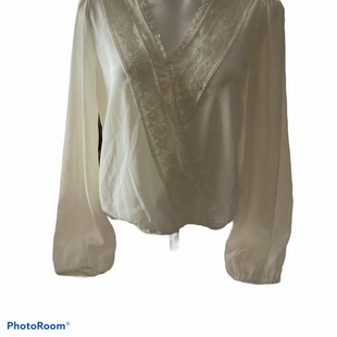 Primary Photo - BRAND: FRANCESCA'S STYLE: TOP LONG SLEEVE COLOR: WHITE SIZE: M SKU: 206-20694-728