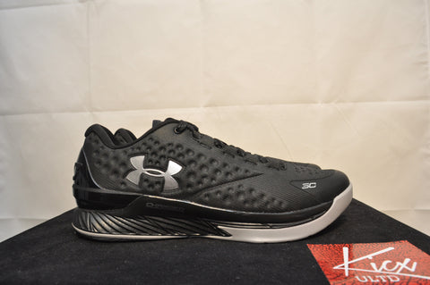 curry low 2adays - Sz 10.5