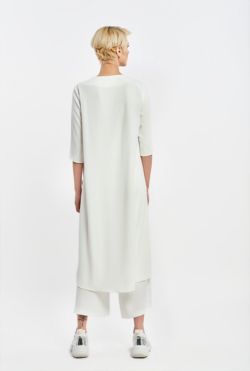 TUNIK TOP WITH 3/4 SLEEVE WHITE