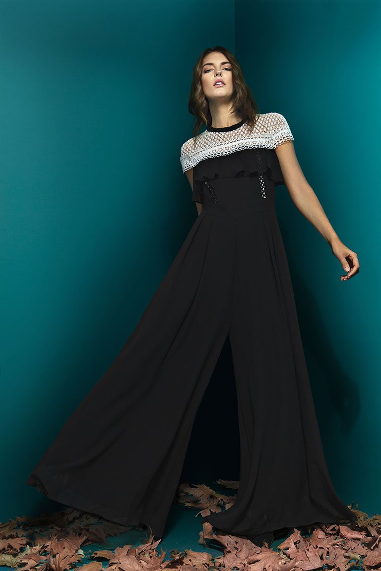 WIDE LEG JUMPSUIT WITH DECORATIVE LACE ON THE SHOULDERS WIDE LEG JUMPSUIT WITH DECORATIVE LACE ON THE SHOULDERS