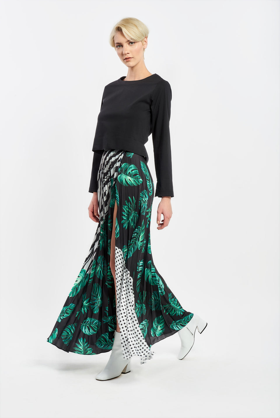 PLEATED MAXI SKIRT WITH PRINT
