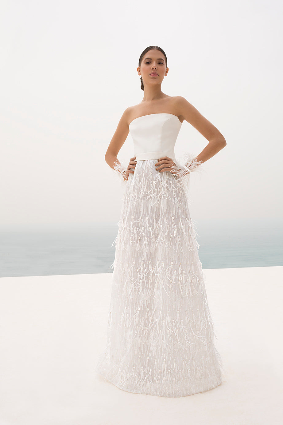 SATEN MAT CREP ELASTIC BODICE WEDDING DRESS WITH TULLE ELASTIC SLEEVES AND SPARKLES WITH FEATHERS
