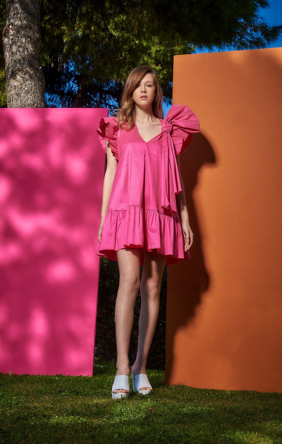 V NECK DRESS  WITH DECORATIVE RUFFLE AND BOW FUCHSIA