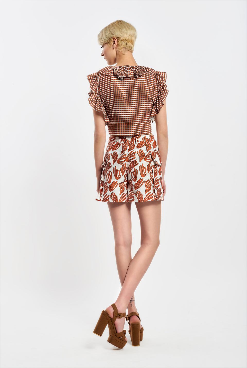 HIGH WAIST SHORTS IN CORAL PRINT WITH POCKETS HIGH WAIST SHORTS IN CORAL PRINT WITH POCKETS