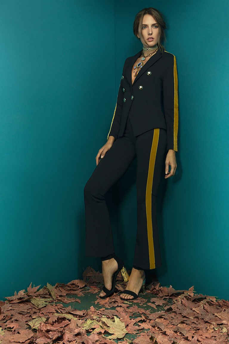 SUIT OF WAISTED JACKET WITH GOLD BUTTONS AND HIGHT WAIST STRETCHY BELL BOTTOM TROUSERS IN ELASTIC FABRIC