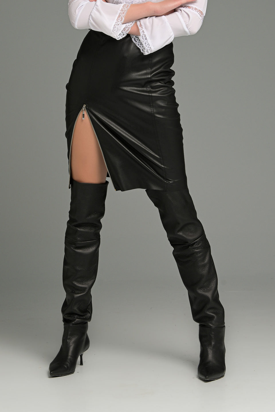 MIDI FAUX LEATHER SKIRT WITH ZIP FRONT