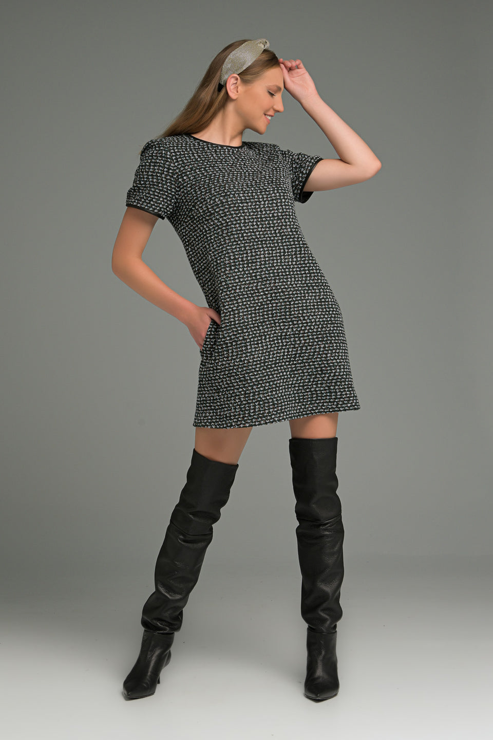 A-LINE DRESS IN HERRINGBONE WITH SHORT SLEEVE AND FAUX LEATHER BINDING A-LINE DRESS IN HERRINGBONE WITH SHORT SLEEVE AND FAUX LEATHER BINDING