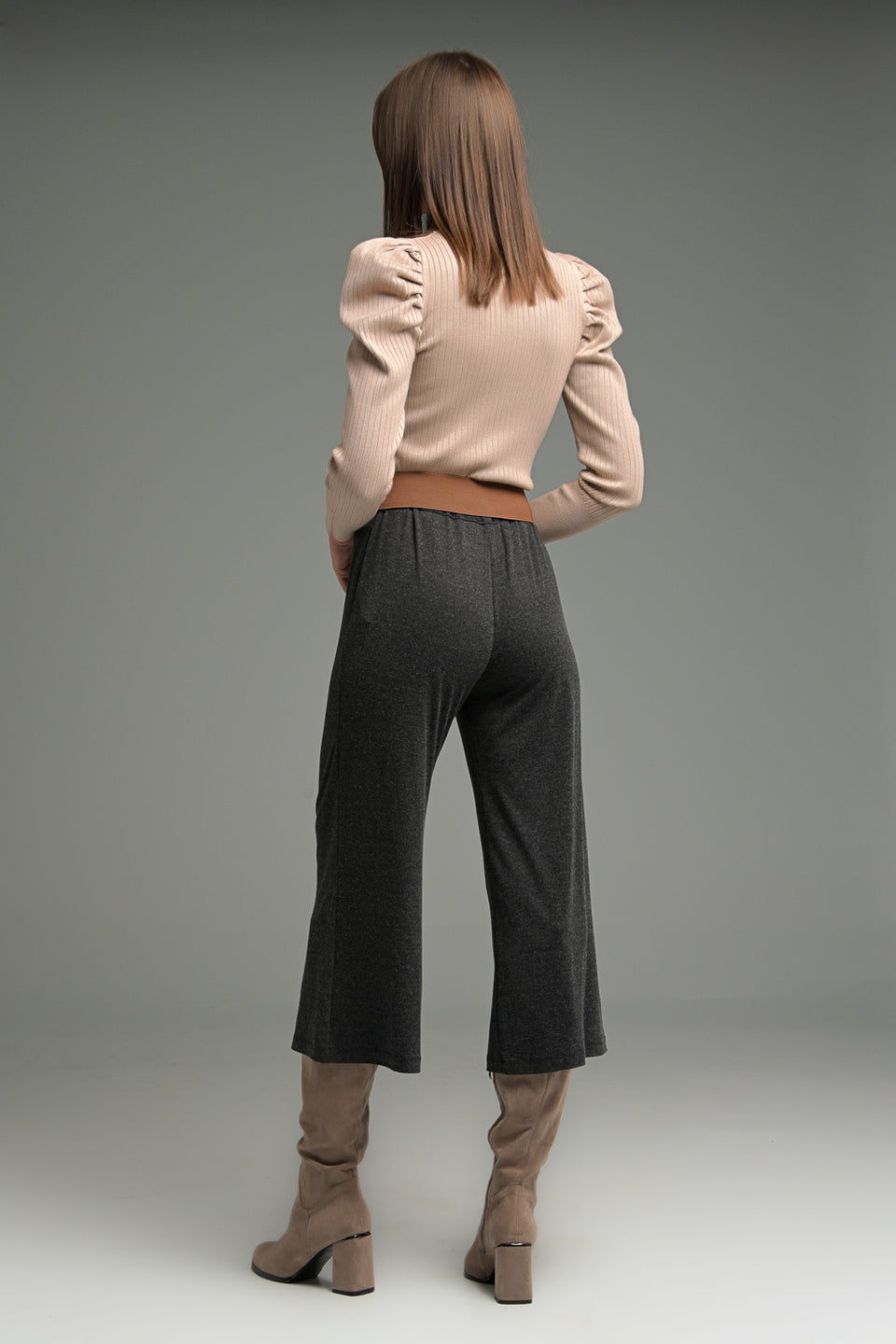 WIDE LEG CROP TROUSERS IN SOFT FABRIC WIDE LEG CROP TROUSERS IN SOFT FABRIC