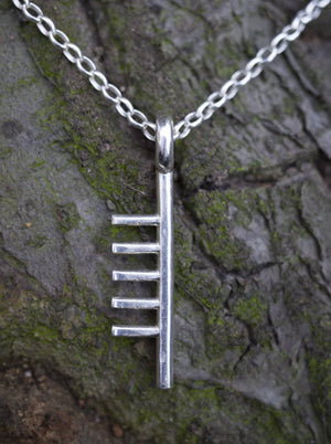 Ogham Treasure Initial Q