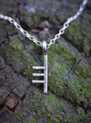 sculpted letter Necklace T