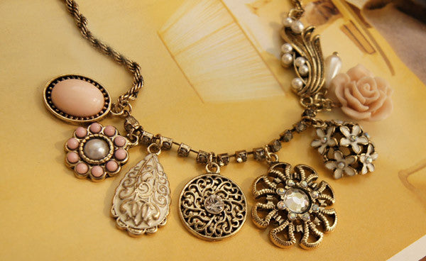 Vintage Style Multielement Large Pendant Necklace
