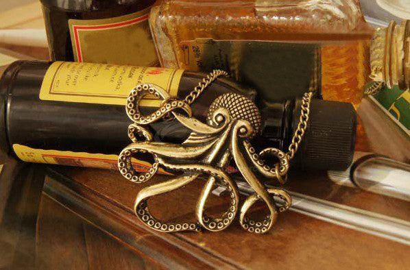 Retro Style Octopus Shape Pendant Alloy Necklace
