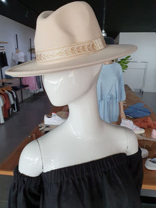 CBI SAMMIE FELT HAT - CREAM