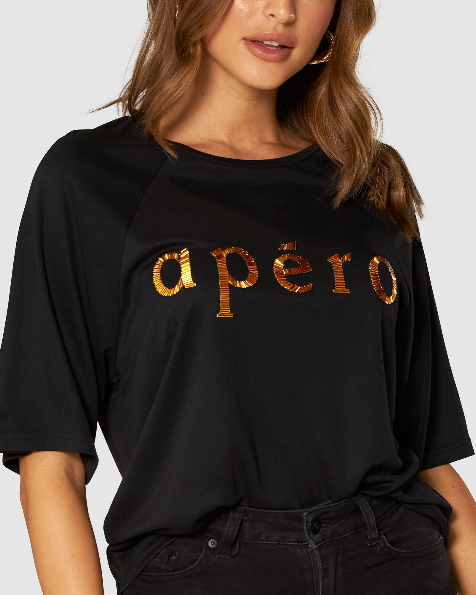 APERO BROOKLYN BEADED OVERSIZED TEE - BLACK/GOLD