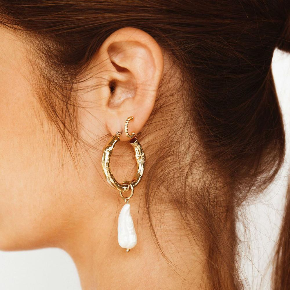 MINC COLLECTIONS INDIA PEARL HOOPS - GOLD